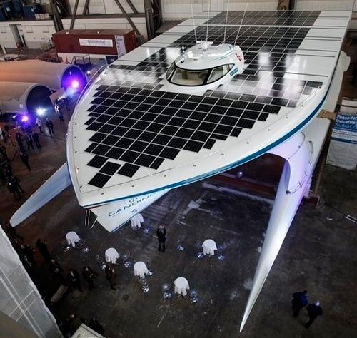 5,382 Square Feet of Solar Panels Make This the World's Largest Solar-Powered Boat