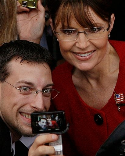 Sarah Palin, Nightmare Of The Centrist Male McCain Fan With Actual Brains*