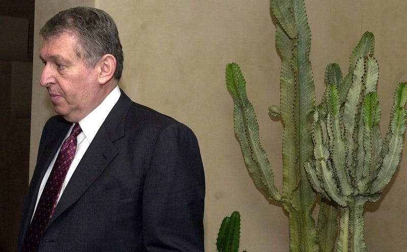 Jerry Colangelo Says He Punched A Bulls Fan During The '93 NBA Finals