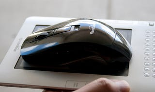 Rainbow Wireless Laser Convertible Fit-U Mouse Review: Neat Idea, Lousy Mouse