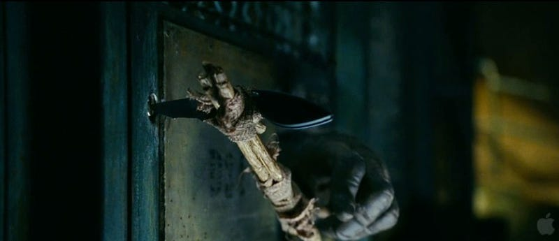 32 screencaps detail the epic battle between humans and apes from Rise of the Planet of the Apes