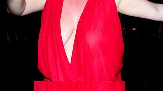 BRIDGET EVERETT SUFFOCATED A MAN WITH HER BIG PUSSY