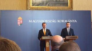 Az Orbán-kormány megalakította a magyar Pet Shop Boyst, a siker óriási