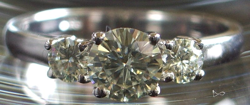 How to Tell Real Diamonds From Fake