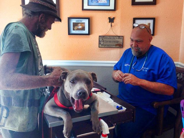 Homeless Man Reunited With Dog Stolen Three Weeks Ago