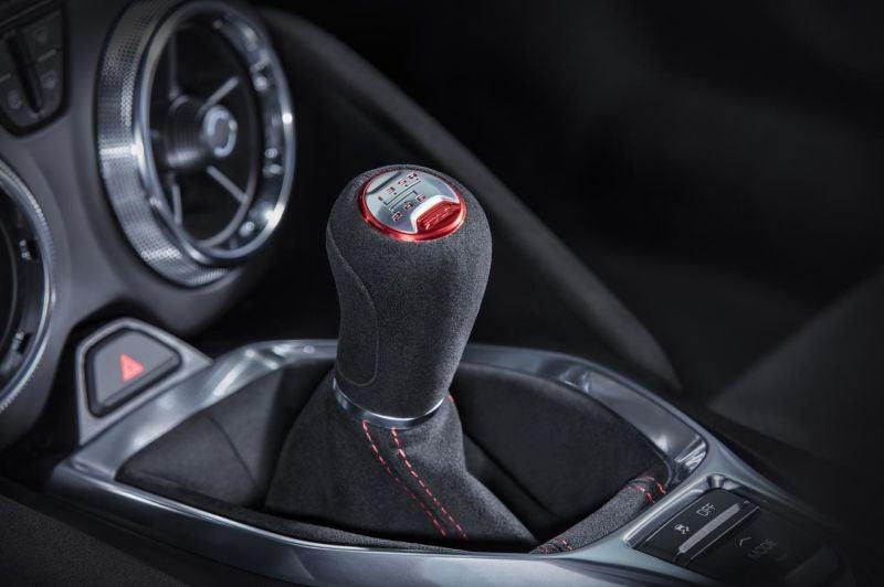 El nuevo Camaro ZL1 2017 es una preciosidad con 10 marchas en su cambio automático