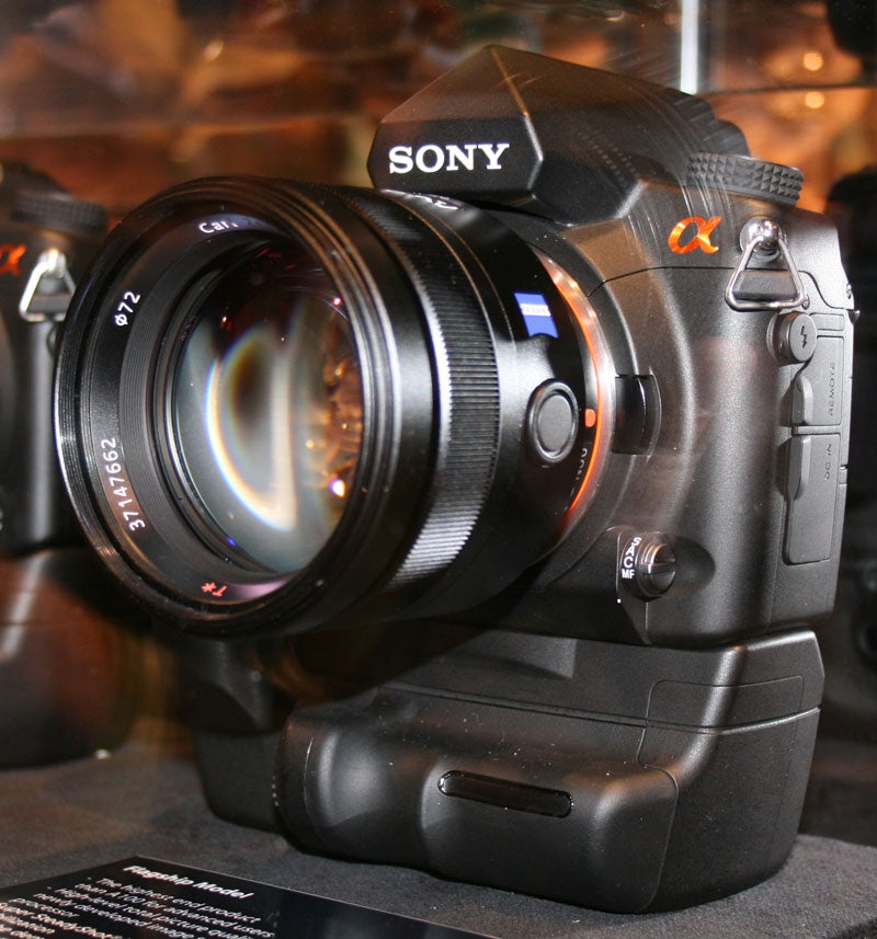 PMA 07 Breaking! Sony Alpha Flagship: First Pics