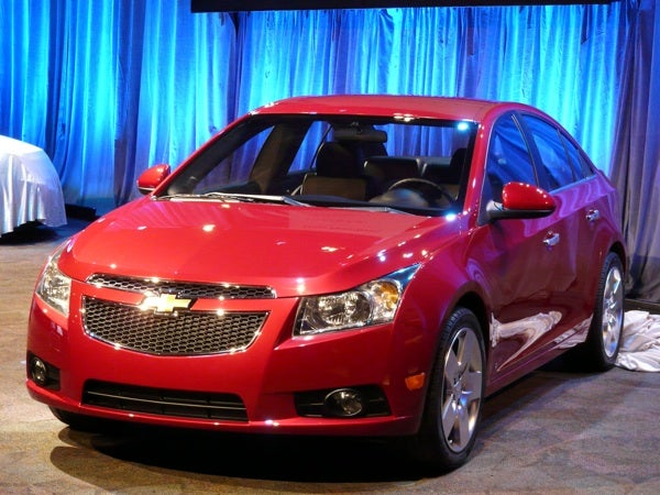 Chevy Cruze, Revealed Live Before Paris