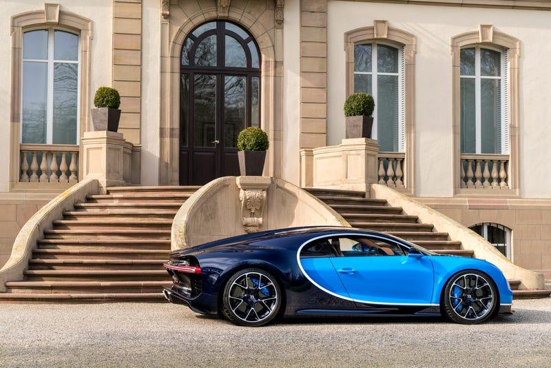 'Bugatti Chiron: This Is A Lot More Of It' from the web at 'http://i.kinja-img.com/gawker-media/image/upload/s--u7o0L76s--/c_scale,fl_progressive,q_80,w_800/ebymgk1q21kporm3o9mq.jpg'
