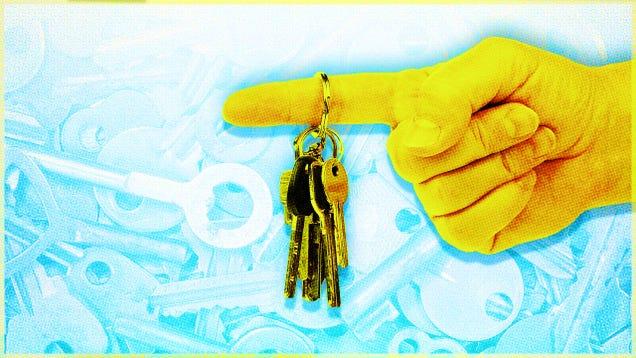 Four Ways to Minimize Your Keychain