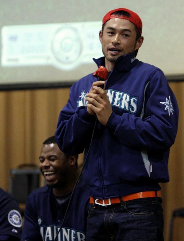 Griffey Tickles Ichiro's Fancy, Armpits