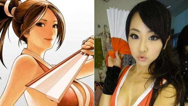 Models Sure Love Wearing Mai Shiranui's Clothes