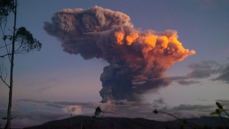 Activity at Tungurahua volcano, Ecuador
