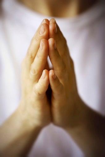 Study Shows that Listening to Prayer Halts Brain Activity