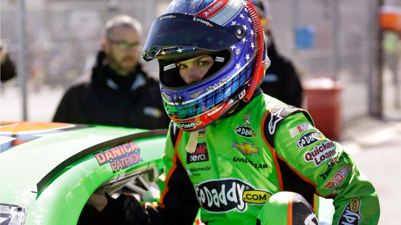 Danica Patrick Is Now The First Woman To Lead A Lap At The Daytona 500
