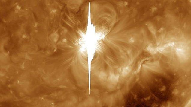 Enormous Solar Flare Set Will Cause Massive Communication Disruptions Tonight