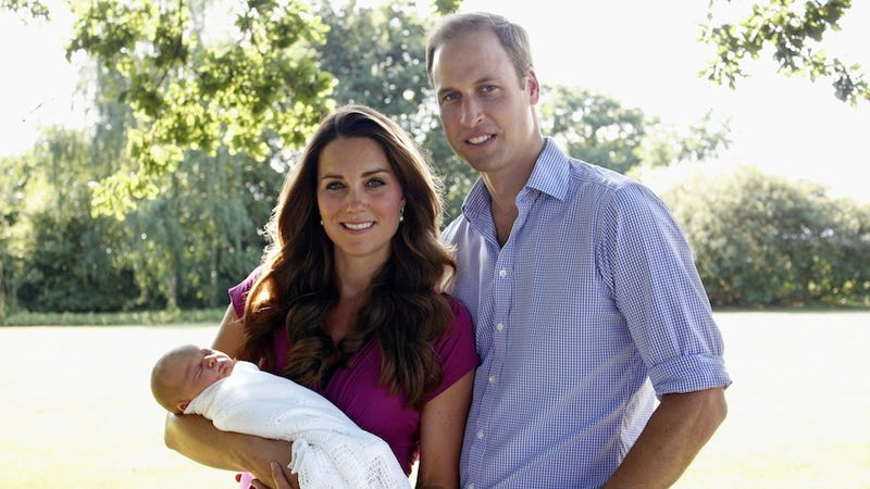 First Portrait of Royal Baby George Reveals That He Looks Like a Baby