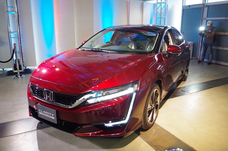 Honda's Hydrogen Car Will Have A Normal Hybrid Version To Make Sure Somebody Buys It