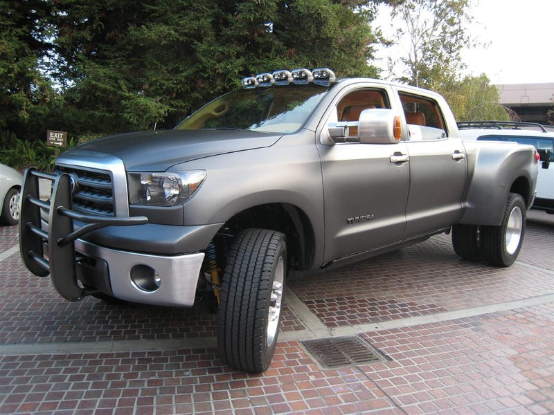 Toyota Tundra Dually Returns To SEMA With Monster Diesel Mill