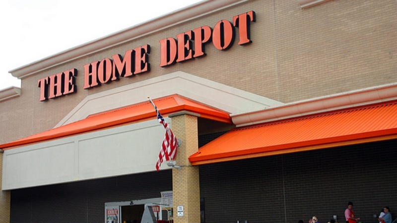 Couple Surrenders To The Sweltering Carnal Atmosphere of Home Depot
