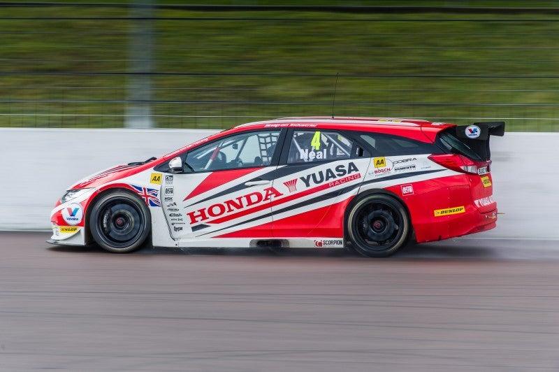 Honda's Wagon Makes History at BTCC