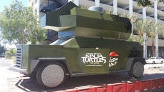 This is a real-life, massive Teenage Mutant Ninja Turtles Pizza Thrower
