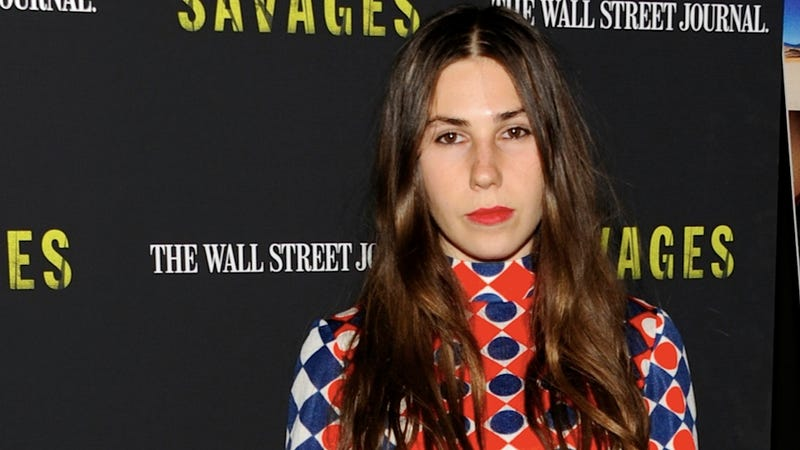 Thanks to the New York Times, You Now Know That Zosia Mamet Recently Had Food Poisoning
