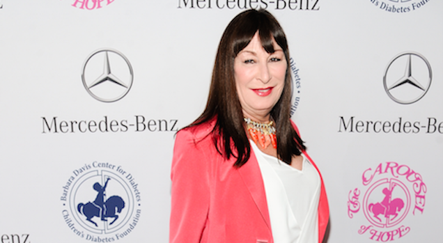 Anjelica Huston Says Ryan O'Neal Brutally Assaulted Her: