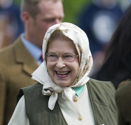 Queen Elizabeth Likes Horses, Not Hermès