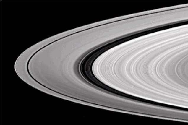 Eltűnnek oldalról a Szaturnusz gyűrűi