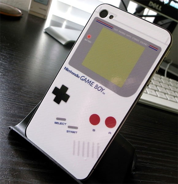 iPhone 4 Gets All Game Boy On the Wrong Side