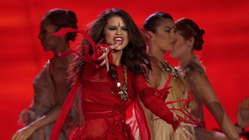 Hindu-In-Chief Bullies Selena Gomez Out of Copping Forehead Jewelry