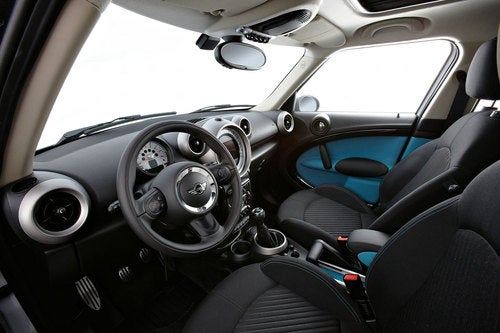 Mini Cooper Countryman: Interior Photos