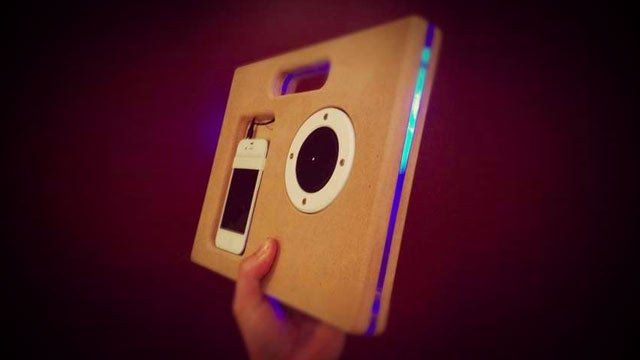 Make a Super Thin, Portable, and Cheap Boombox for Your Smartphone or Music Player