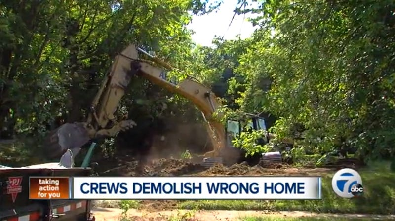 Man Changes Address, Tricks Demo Crew Into Destroying Neighbor's House