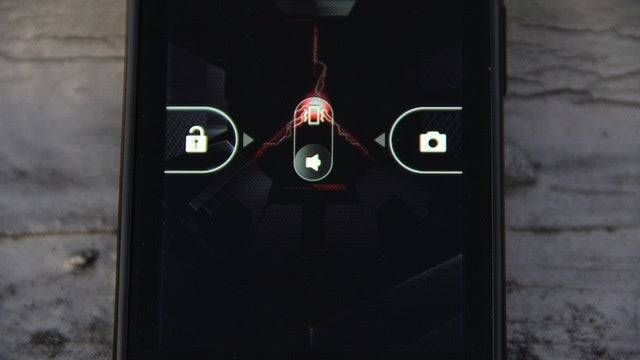 Motorola Droid RAZR Is Already Rooted—With a How To