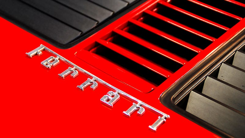 Your ridiculously cool Ferrari 512 BBi Wallpaper is here