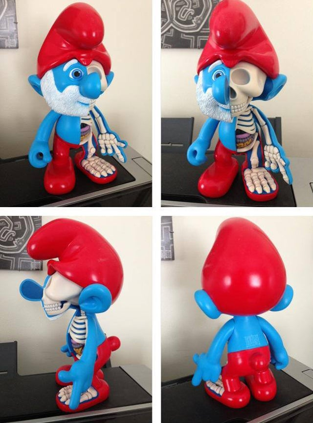 Smurfs are even more horrifying on the inside: Papa Smurf Dissected