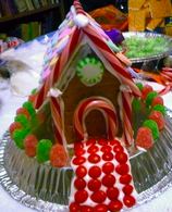 Make A Gingerbread House With Graham Crackers