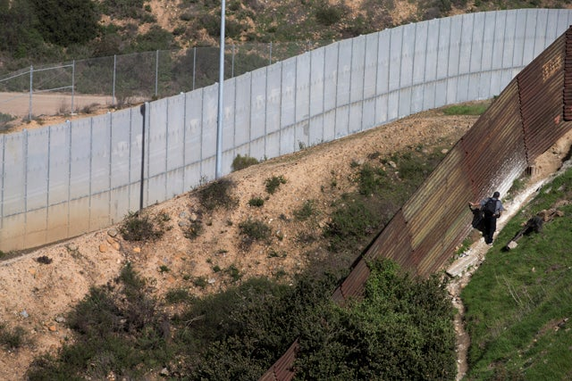 Man Attempts to Hang Himself from U.S.-Mexico Border Fence