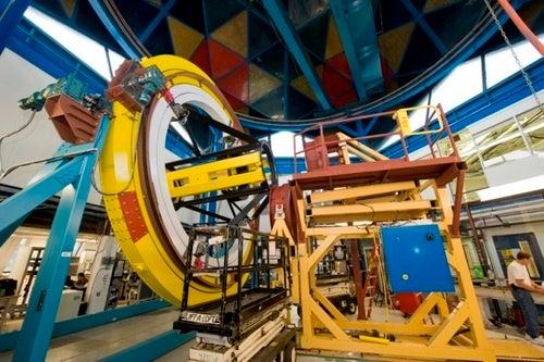 Watch the world's first dark energy detector take shape