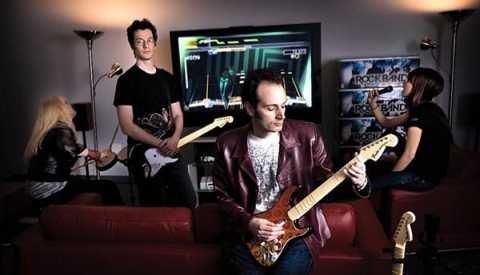 Rock Band creators get $300 million rock-star bonus