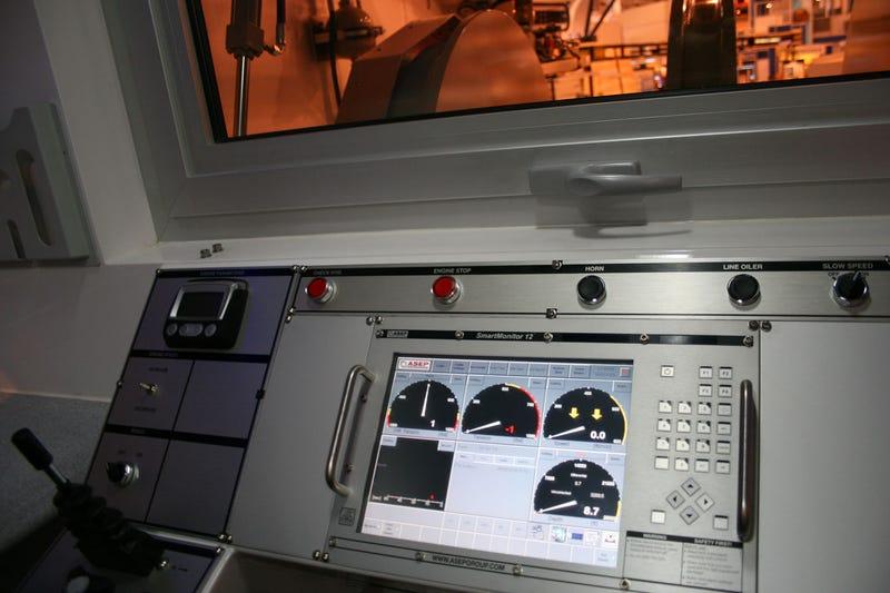 International Wireline Trucks