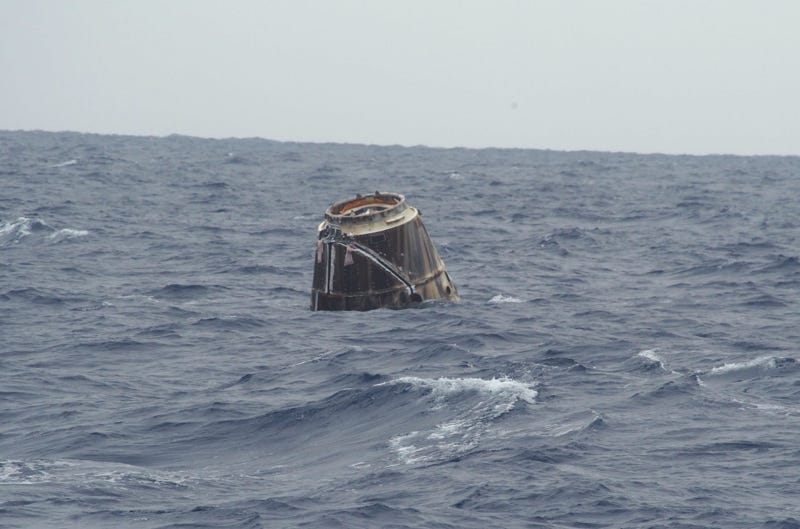Dragon Spaceship Has Successfully Returned to Earth (Updated With Photo)