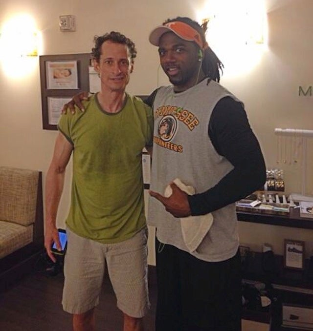 Donté Stallworth Met A Very Sweaty Anthony Weiner