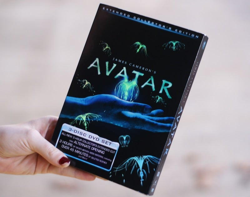 Lightning Review: Watching Avatar...on Sad, Old DVD