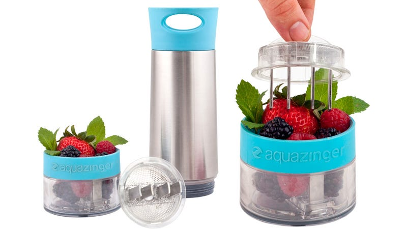 Bottle Blender Mixes Fresh Fruit and Water To Flavor Your Boring H2O