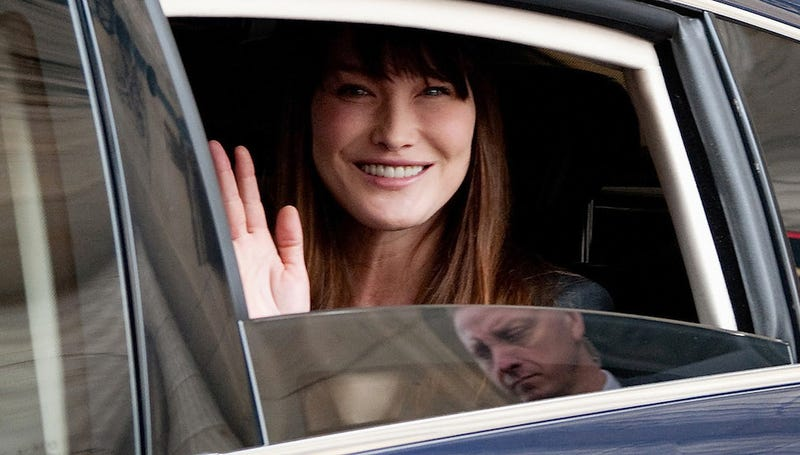 Many G20 Delegates Were Interested in Seeing Carla Bruni Nude Pics