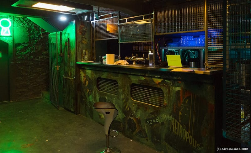 The greatest science fiction themed bars and restaurants for Bar la piscine paris 18