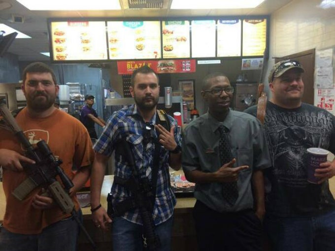 Pro-Gun Lunatics Scare the Crap out of Fort Worth Restaurant Staff